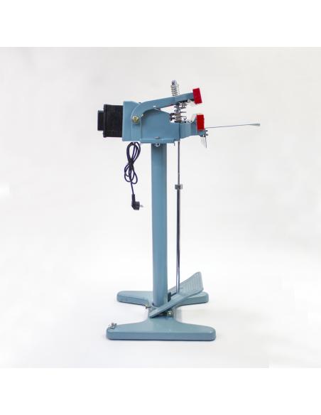 Nožní impulsní svářečka folií PFS-350x2  pohled z pravé strany