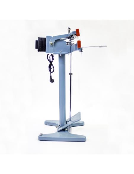 Nožní impulsní svářečka folií PFS-450x2 pohled z pravé strany